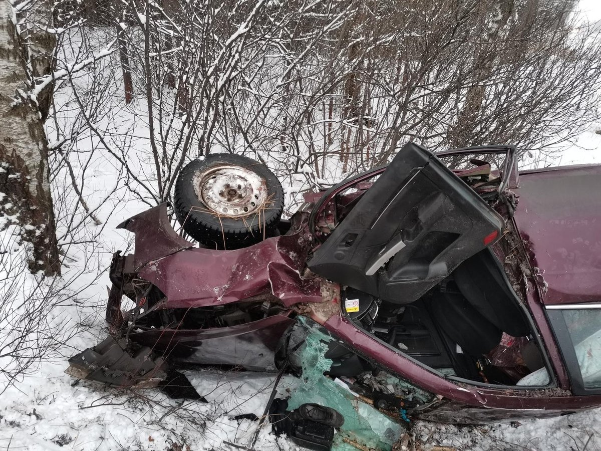 Один человек погиб в перевернувшейся под Дзержинском иномарке - фото 1