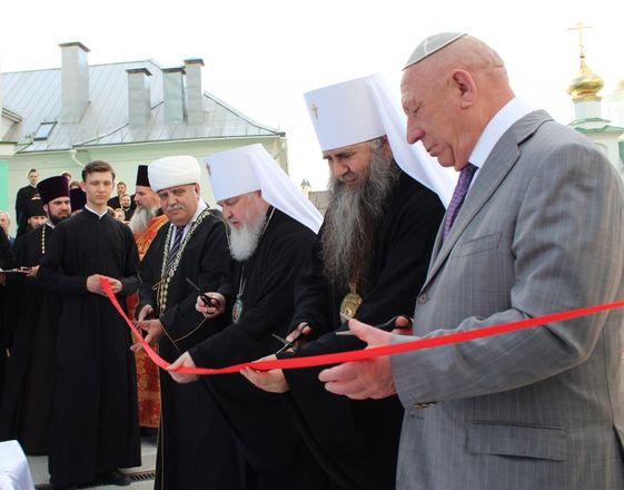 Памятник митрополиту Николаю появился в Нижнем Новгороде - фото 12