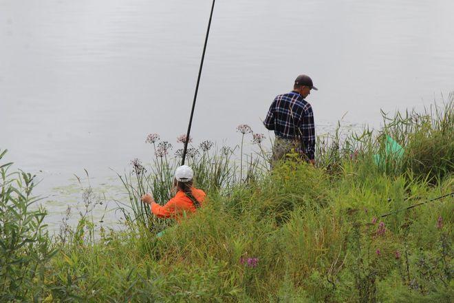 Три вида ухи и лодка в подарок: в Нижнем Новгороде стартовал фестиваль рыбалки - фото 35