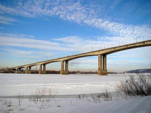 На Мызинском мосту работают только две полосы движения