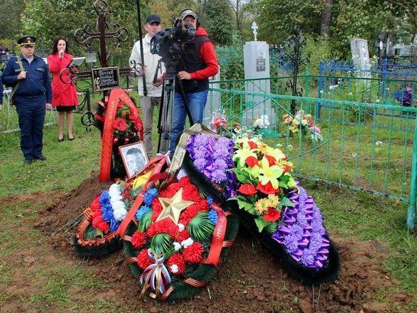 Останки летчика, погибшего на Курской дуге, захоронили на родине в Нижегородской области - фото 4