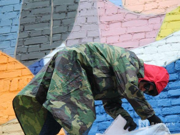 Отношения детей и родителей запечатлел в Нижнем Новгороде московский художник - фото 11