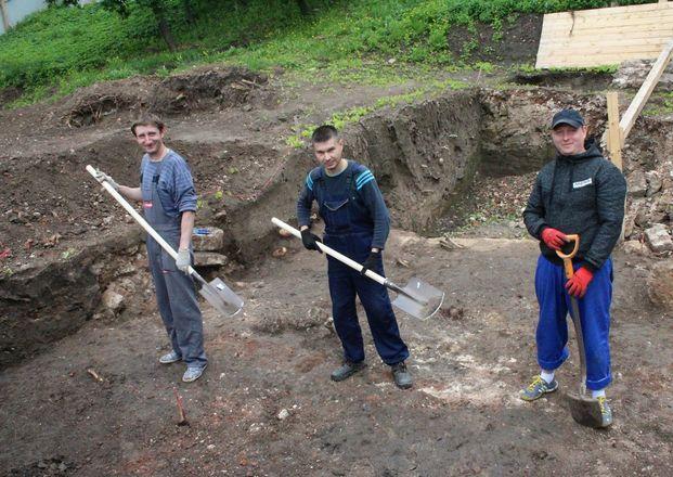 Новые находки на старом кладбище: что обнаружили археологи в Нижегородском кремле - фото 8