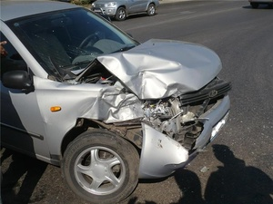 Двое мужчин в автомобиле «Лада-Приора» серьезно пострадали в ДТП на Московском шоссе