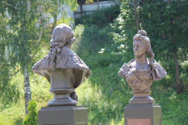 Материнство и любовь: каких женщин и за что увековечили в Нижнем Новгороде - фото 15