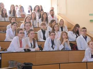 Нижегородские студенты предложили приравнять веселящий газ к наркотикам