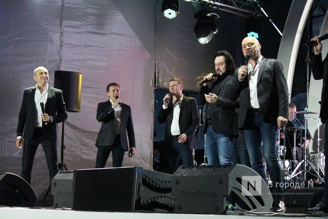 «Столица закатов» без солнца: как прошел первый день фестиваля музыки и фейерверков в Нижнем Новгороде - фото 49