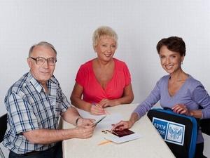 Нижегородцам напомнили о возможности получать пенсию на дому