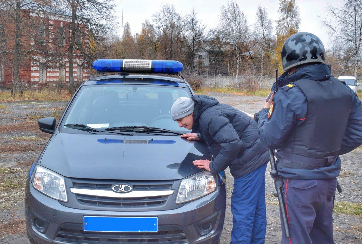 Нижегородцы устроили пьяный загул с порчей имущества на 45 тысяч рублей