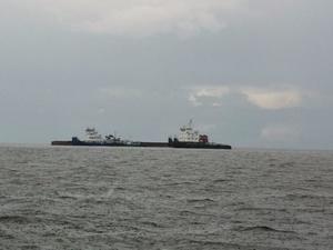 Следовавшая в Нижний Новгород баржа с металлолом опрокинулась в Рыбинском водохранилище