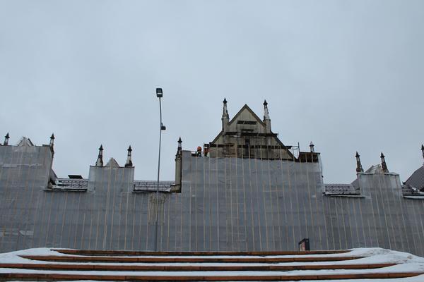 Как реставрируют фасад нижегородской фабрики «Маяк»