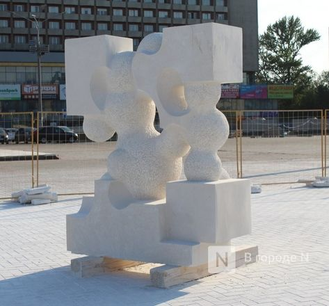 «Впередсмотрящий» и «Бесконечность»: новые скульптуры украсят Нижне-Волжскую набережную - фото 29